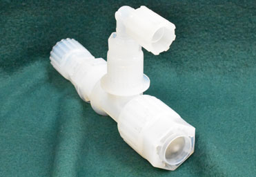 Plastic manifold for medical device manufacturing